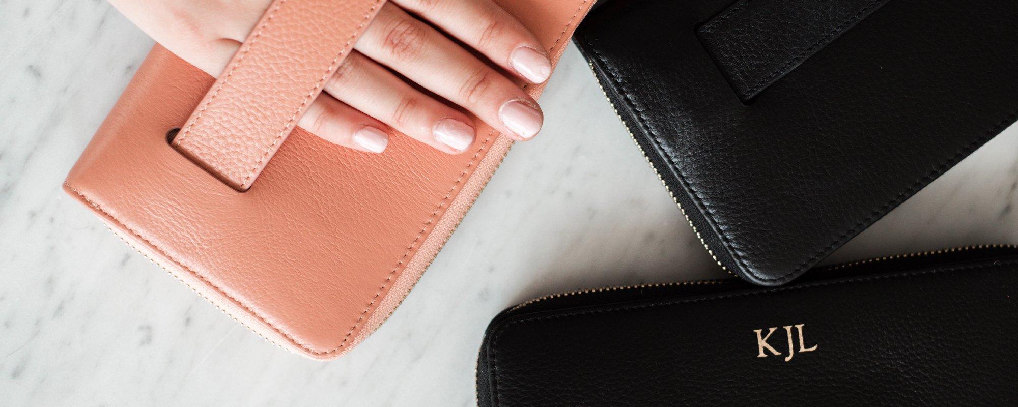 Bi-Fold Leather Wallet- Grain Black